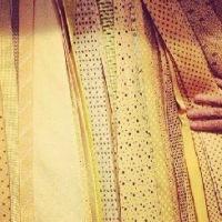 La cravatta gialla passa di moda