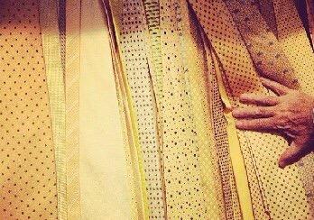 La cravatta gialla passa dimoda