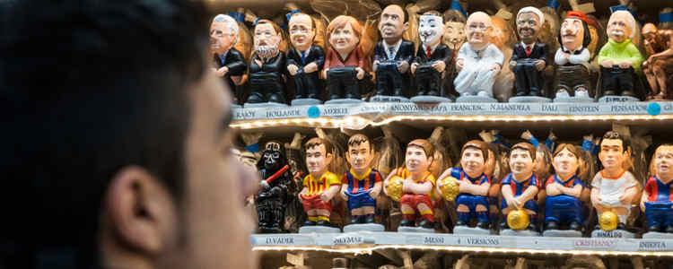 Dalle statuette di San Gregorio Armeno ai Caganer di Barcellona: quando il calcio entra nelpresepe