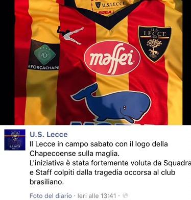 Lecce: logo della Chapecoense sullamaglia