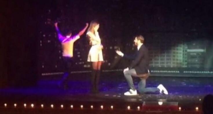 Morata proposta di matrimonio Show: chiede la mano di Alice durante uno spettacolo di magia –VIDEO