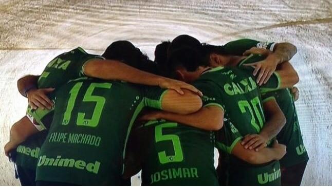 La Chapeconese vince la Copa Sudamericana. Il San Lorenzo indossa le maglie dei calciatoriscomparsi