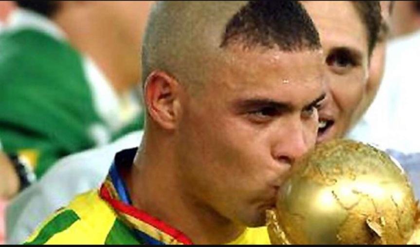 A 15 anni dal Mondiale, Ronaldo spiega il suo look in Corea eGiappone