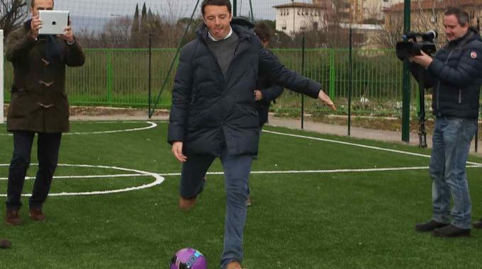 """Renzi: """"Il Referendum un rigore tirato male"""". I suoi 5 errori dal """"dischetto"""""""